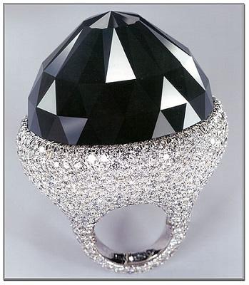THE SPRITE OF DE GRISOGONO(スプリットオブドゥグリソゴノ・ダイヤモンド) 312.24カラット