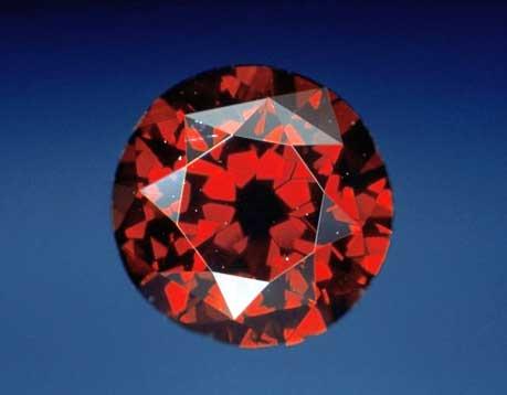 De Young Red Diamond (デ・ヤング・レッド・ダイヤモンド) 5.03ct