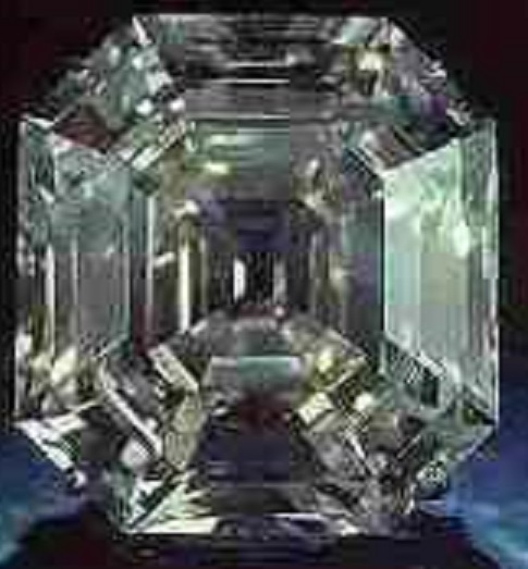 Portuguese Diamond(ポーチュギーズダイヤモンド)127.01ct